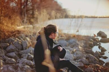 Frau Einsamkeit Herbst