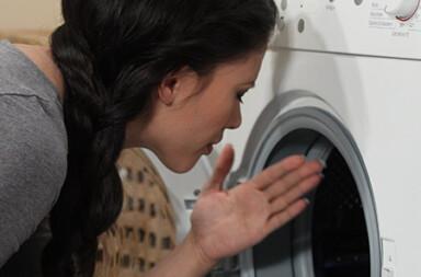 Was tun, wenn die Wasch- oder Spülmaschine stinkt?